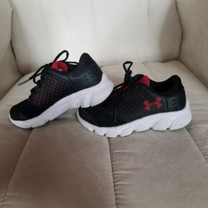 Boy's Under Armour Shoes